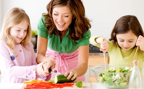 5 Methods of Teaching Your Children to Eat Well