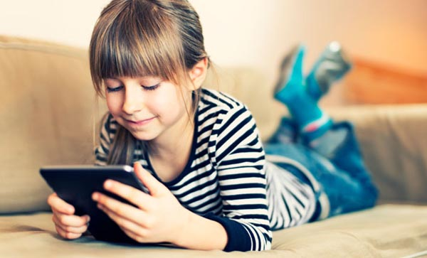Tips for Introducing Your Child to a Tablet